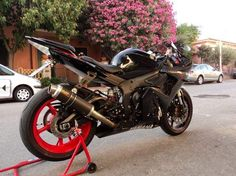 Yamaha R6 2005... I am actually crying because I just want to go riding!!! :'( pregnancy, I'm glad I will be parting ways with you in prime riding season!!!