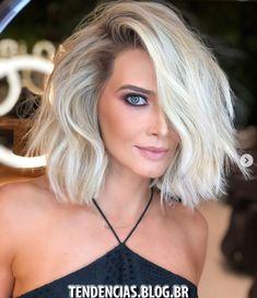 Khloe Wig Lavish Locs Fall Wig Trend: Short Hair - September 14 2019 at Blonde Hair Cuts Medium, Short Hair Cuts, Medium Hair Styles, Short Hair Styles, Pixie Cuts, Short Hair Side Part, Medium Haircuts For Women, Short To Medium Haircuts, Super Blonde Hair
