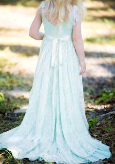 Sky Blue Lace Flower Girl Dresses Straps Wedding Bridesmaid Party Gowns Train Sash 2016 Long Elegant Pageant Dresses