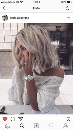 Short hair is more than a trend. It's practically a way of life! Here are the 30 Best Short Hairstyles & Haircuts – hairstyle hair bobs pixie cuts ombre balayage 641481540652715917 Short Hair Trends, Short Hair Styles Easy, Medium Hair Styles, Curly Hair Styles, Short Haircut Styles, Hair Medium, Hairstyles Haircuts, Pretty Hairstyles, Grey Haircuts