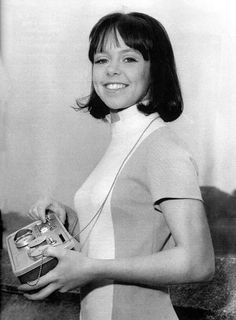 After playing Zoe in Doctor Who, Wendy Padbury found a second career as a theatrical agent, in the course of which she discovered a young then-unknown actor named Matt Smith. Doctor Who Cast, Watch Doctor, Second Doctor, Good Doctor, Doctor Who Assistants, Wendy Padbury, Doctor Who Companions, William Hartnell, Classic Doctor Who