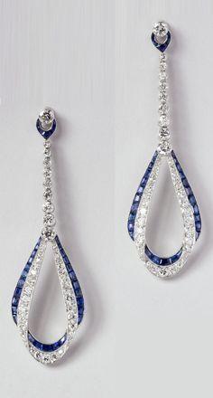 Van Cleef & Arpels – Paar Diamanten und Saphir-Ohrringe im Art-Déco-Stil, um 192 … - jewelry design Art Deco Schmuck, Bijoux Art Deco, Art Deco Earrings, Art Deco Jewelry, Fine Jewelry, Jewelry Design, Flower Earrings, Hoop Earrings, Pendant Jewelry