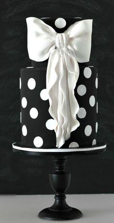Black and White cake with big bow Unique Cakes, Elegant Cakes, Creative Cakes, Bow Cakes, Fondant Cakes, Cupcake Cakes, Gorgeous Cakes, Pretty Cakes, Amazing Cakes