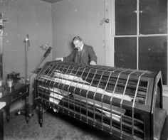 This crazy looking contraption was the precursor to the modern sun-bed circa 1900. http://acidpotion.com/25-terrifying-vintage-medical-instruments/