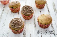 cupcakes de crema de cacahuete con frosting de cacao