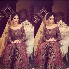 Just a reminder to not to do the white thing in the corner of eye🙄 Asian Wedding Dress Pakistani, Indian Bridal Wear, Pakistani Wedding Dresses, Indian Dresses, Pakistani Outfits, Pakistan Bride, Bridal Makeover, Bollywood, Bridal Outfits
