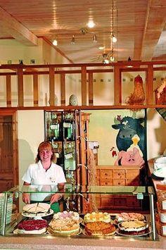 guide2Büsum Farm Shop, Lounge Seating, Wooden Desk