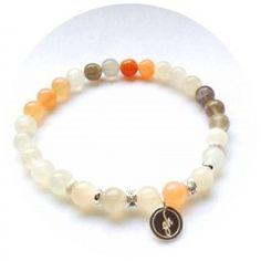 gohi classic Mesačný kameň Beaded Bracelets, Classic, Jewelry, Fashion, Jewellery Making, Jewlery, Jewelery, Fashion Styles, Pearl Bracelets