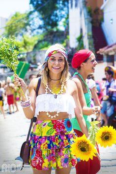 Abuse da chita nas fantasias de carnaval. É barata, linda e deixa seu look super divertido.