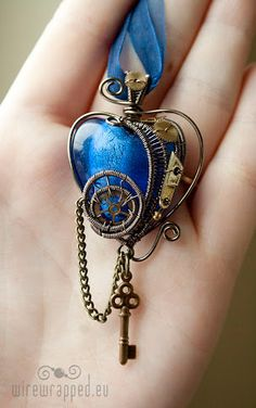 35 Steampunk Wedding Accessories For Brides And Bridesmaids – Jewelry Steampunk Heart, Style Steampunk, Steampunk Wedding, Steampunk Costume, Steampunk Fashion, Steampunk Necklace, Victorian Steampunk, Gothic Fashion, Wedding Accessories For Bride