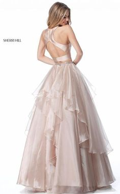 Sherri Hill dresses are designer gowns for television and film stars. Find out why her prom dresses and couture dresses are the choice of young Hollywood. Junior Prom Dresses, Sherri Hill Prom Dresses, A Line Prom Dresses, Quinceanera Dresses, Dresses For Teens, Satin Dresses, Evening Dresses, Formal Dresses, Formal Wear