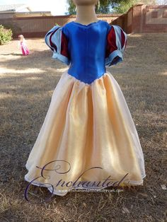Snow White Disney Princess Dress Size 4T by enchanteddresses