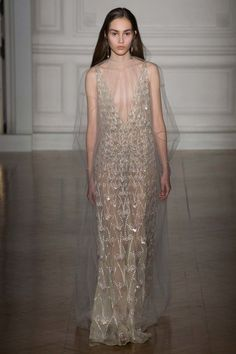 41 princess-worthy gowns from couture week to ease your anxiety: Valentino