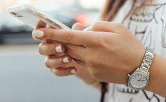 Cum să editați parolele salvate în Portcheiul iCloud pe iPhone și iPad Mario Kart, Make A Mobile, Photo Arrangement, Reuse Plastic Bottles, Mobile Responsive, Conversation Starters, Trending Videos, Applications, Texts