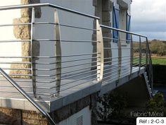 "Résultat de recherche d'images pour ""garde corps inox"" Stair Railing Design, Balcony Railing, Steel Balustrade, Steel Fabrication, Gate Design, Blinds, Pergola, Deck, Stairs"