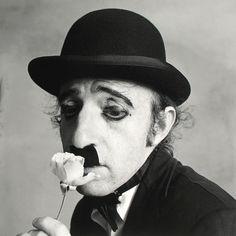 Woody Allen déguisé en Charlie Chaplin par Irving Penn