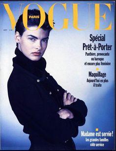 Linda Evangelista en couverture du numéro d'août 1989 de Vogue Paris http://www.vogue.fr/thevoguelist/linda-evangelista/47