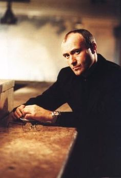 Check out Phil Collins @ Iomoio Music Pics, Art Music, Music Artists, Solo Music, Peter Gabriel, Phil Collins, Banks, Music Express, Piano Man
