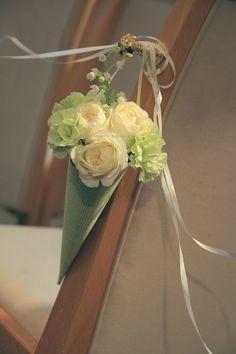 シェ松尾天王洲倶楽部さま 5月、ライラックとスズラン : 一会 ウエディングの花 Pew Markers, Lily Of The Valley, Table Decorations, Flowers, Wedding, Weddings, Valentines Day Weddings, Florals, Mariage