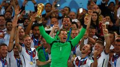Manuel Neuer should win Ballon d'Or 2014, he changed the game.