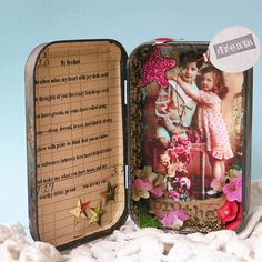 altoids tin could you put a calendar in there.