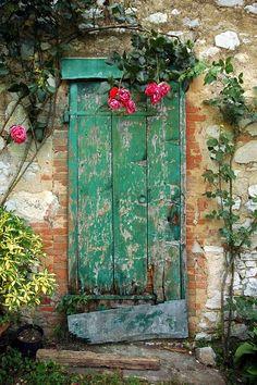 Porta verda... | Porta verdosa a Fonterutoli, Chianti (Tosca… | Flickr Cool Doors, Unique Doors, The Doors, Windows And Doors, Entrance Doors, Doorway, Grand Entrance, Door Knockers, Door Knobs