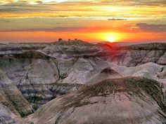 Sunset in Petrified Forest National Park Arizona [OC][1530x1150] http://ift.tt/294r7D5