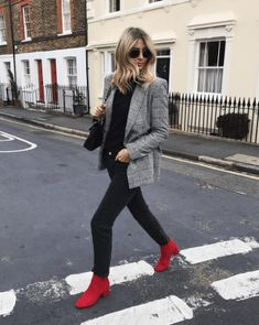 I've added a pop of rather bold colour to this otherwise monochrome outfit with these red suede ankle boots. 26 Trendy Fall Women Outfits to Copy Right Now Red Shoes Outfit, Booties Outfit, Outfits With Red Shoes, Winter Boots Outfits, Fall Outfits, Casual Outfits, Red Ankle Boots, Red Booties, Look Street Style