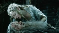 Galadriel holding/rescuing Gandalf from The Hobbit: BotFA. Scenes such as these makes you think twice between some hidden relationship between Gandalf and Galadriel! Bilbo Baggins, Thorin Oakenshield, Hobbit 3, The Hobbit Movies, Gandalf, Benedict Cumberbatch, Christopher Lee, Avatar, Elfa