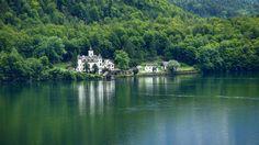 #obertraun #castle #grub #hallstatt #hallstattersee #lake #austria #vacation #travel #holiday #citybreak #gmizakis #laganistil #nature #green #tbt #throwbackthursday #photography #shotography #colors #picturesque #amazing #whynot #hellaraw