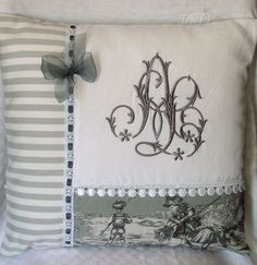 Uses for old family linens and lace Cute Pillows, Diy Pillows, Decorative Pillows, Cushions, Throw Pillows, Embroidery Monogram, Machine Embroidery Applique, Machine Quilting, Sewing Pillows