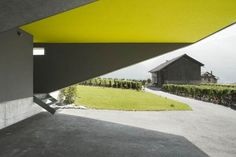 Top 30+ Most Amazing, Unique, Beautiful & Exotic Architectural Houses Design in the World http://freshouz.com/very-unique-house-design/