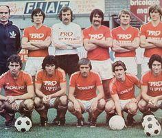 F.C. Rouen 1976-77 (partie 1). Debout, de gauche à droite : Venzo (entraîneur-adjoint), Bianchi, Joannes, Lemaitre, Polny, Amouret. Accroupis : F. Gonzales, Carrie, Guilaine, Weiss, Albert Poli.