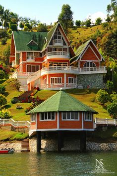 Orange house - WOW