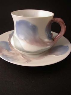 Cup by Alf Wallander for Rörstrand    A cup from the servis IRIS Mark:  Rörstrand Price: SEK 5800