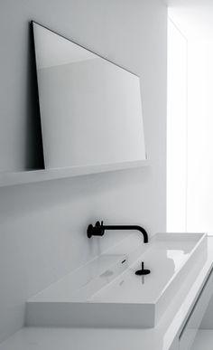white minimalism / white on white / bathroom / fixtures