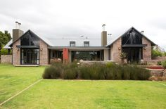 Inspired by nearby farm buildings this home designed by architects Pieter Mathews and Anton Smit Farmhouse Architecture, Modern Farmhouse Exterior, Farmhouse Plans, Modern Architecture, South African Homes, African House, Architect House, New House Plans, Facade House