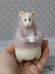 Cute Felted Mouse With a Cup This cute mouse is handmade from high-quality merino wool using needle felt techniques. Inside there is a wire frame, which makes paws and tail flexible. Needle Felted Animals, Felt Animals, Wet Felting, Needle Felting, Pet Mice, Shabby Chic Crafts, Felt Mouse, Cute Mouse, Original Gifts