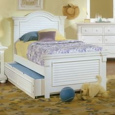Cottage Traditions Full Panel Bed - Eggshell White   from hayneedle.com