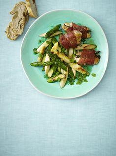 Unser beliebtes Rezept für Hähnchen-Saltimbocca mit gebratenem Spargel in Zitrus-Vinaigrette und mehr als 55.000 weitere kostenlose Rezepte auf LECKER.de.