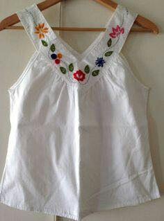 3047743542c Encontre blusa bordada pedrarias com os melhores preços no QueroBarato!  Brasil