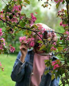 Hijabi Girl, Girl Hijab, Hijab Hipster, Girls Dp Stylish, Beautiful Nature Pictures, Islamic Girl, Cute Girl Wallpaper, Cool Girl Pictures, Beautiful Hijab