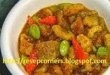 Resep sambal goreng krupuk kulit alias krecek yang sedap nan mantap. http://resepcorners.blogspot.com/2014/06/resep-sambal-goreng-krecek-enak-dan.html