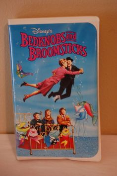 Disney Bedknobs and Broomsticks  VHS 1971 Clamshell Rare 1st Release