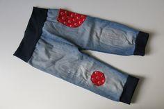 """Alte Jeans wird Kinderhose nach dem Freebook Babyhose """"Ras"""" von Nähfrosch.de Ein schönes Upcycling Projekt!"""