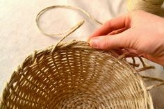Craft Tutorials Galore at Crafter-holic!: Weave Your Own Bowl