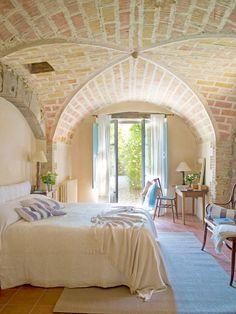 Dormitorio con techo abovedado piedra vista_00353808 O