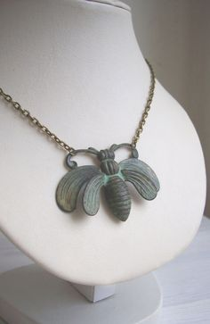 Oh Honey bee necklace large ornate verdi by themagpiesdaughter