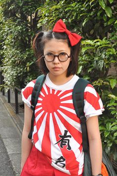 The #AmericanApparel Bow Hair clip in Red spotted in Harajuku!  #tokyo #harajuku #red #hairbow #bow