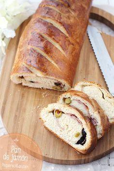 Pan de jamón. El Pan de jamón es un pan relleno de jamón cocido, pasas y aceitunas que os va a encantar. Parece que el pan de jamón tiene su origen en Caracas, Venezuela